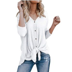 Tops - ✨BOGO Free✨ White Top with Tie Front | Size L